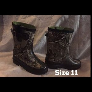 Little boy rain boots